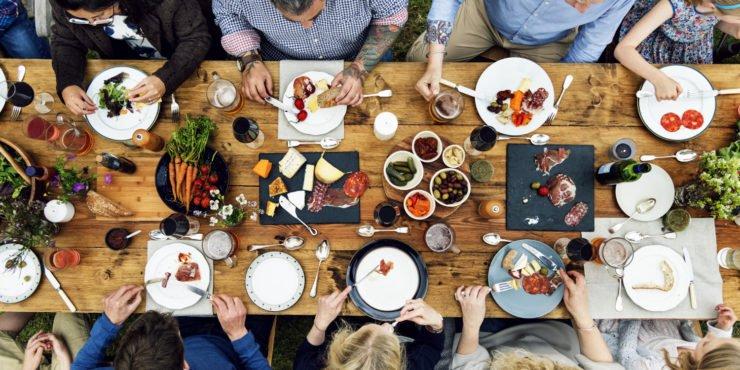Gedeckter Tisch c Rawpixel Shutterstock