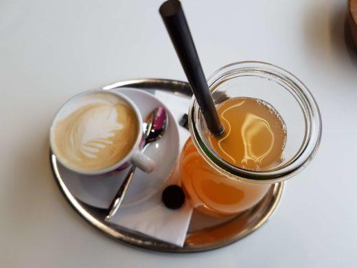Kaffee und Saft